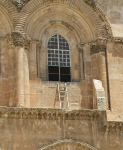 1-ladder-at-church-of-holy-sepulchre-freds-photo-img_6261